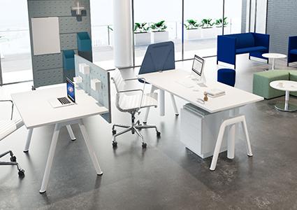 Zestaw biurek dla pracowników