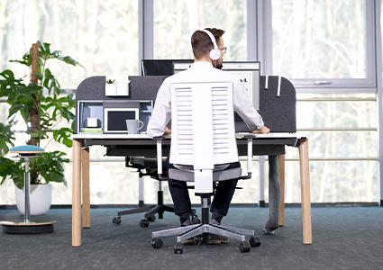 Funkcjonalne meble dla pracownika
