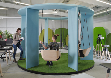 Meble wypoczynkowe dla przestrzeni biurowych