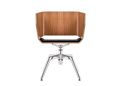 Brązowe krzesło konferencyjne