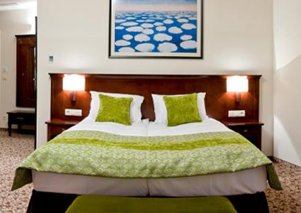Łóżko do pokoju hotelowego